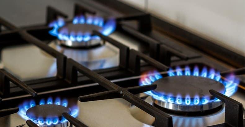 3 lit gas burners